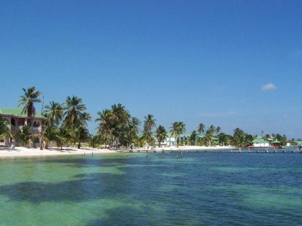Exotic places for travel for Fishing san pedro belize